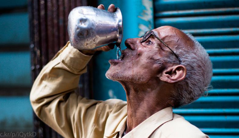 लोठा(水入れ)インド