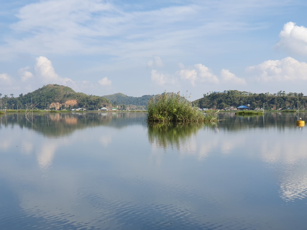 ロクタク湖 Lok Tak lake