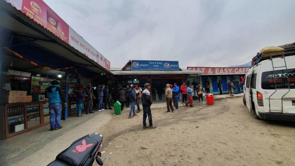 ネパールのバス休憩